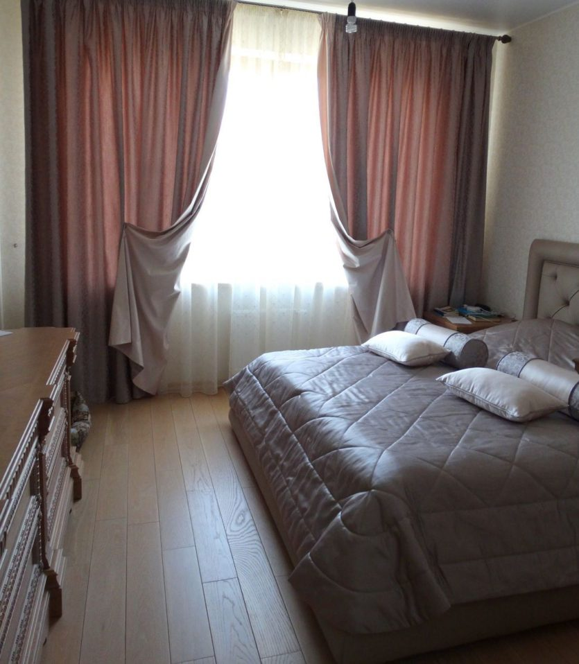 Как сшить шторы с покрывалом для спальни фото 207