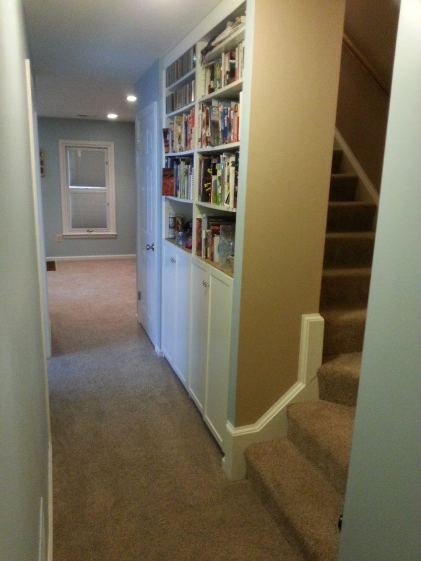 Встроенный шкаф в прихожую - незаменимая вещь в интерьере (9.