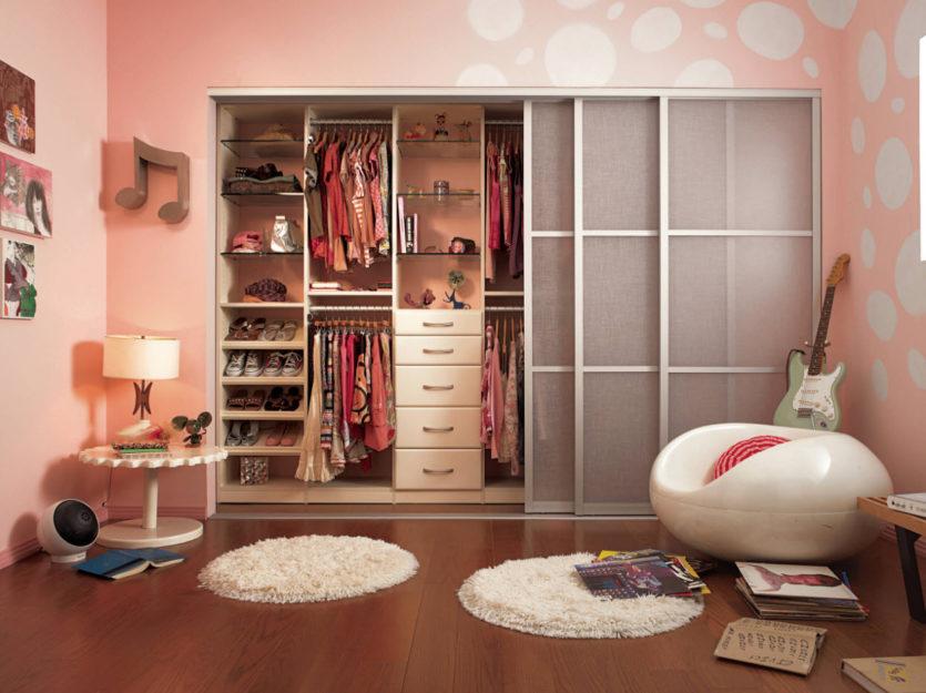 Шкаф в комнате фото дизайн