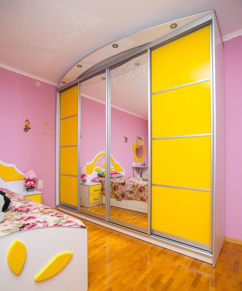 Шкафы купе в детскую комнату - шкафы купе на заказ.